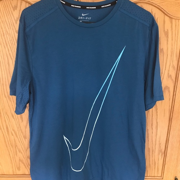 Nike Other - 🔥 Nike Dri-Fit Men's Short Sleeve Casual Tee-Used